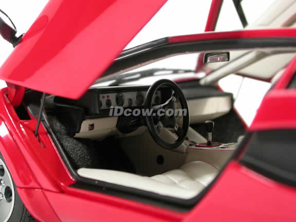 1985 Lamborghini Countach diecast model car 1:18 scale 5000 S by AUTOart - Red
