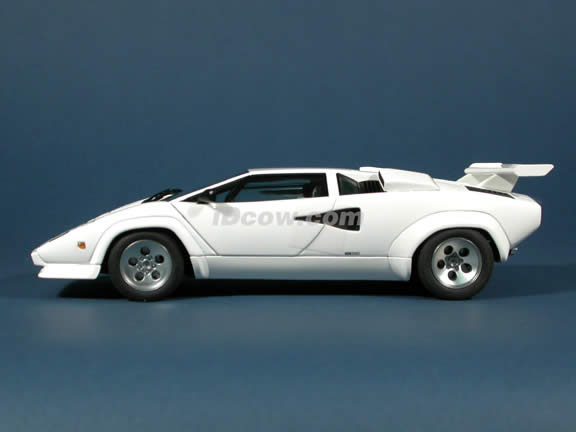 1985 Lamborghini Countach Diecast Model Car 1 18 Scale 5000 S By