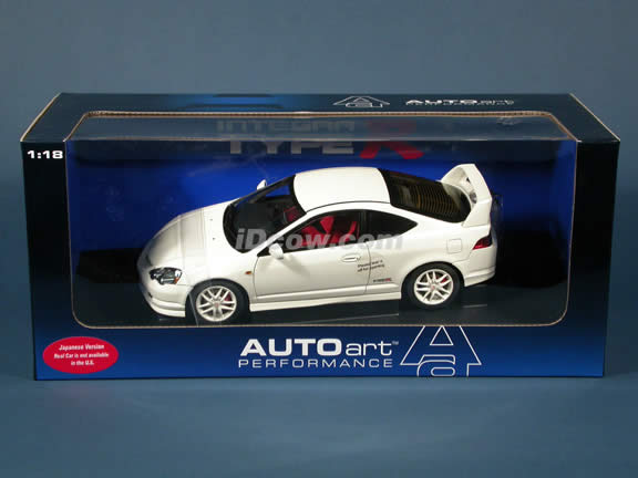 2002 Honda Integra Type R (Acura RSX) diecast model car 1:18 scale die cast by AUTOart - White (Japanese version)