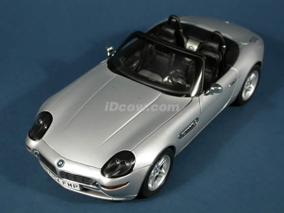 1999 BMW Z8 James Bond 007 diecast model car