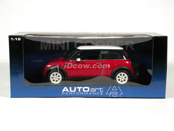 2003 Mini Cooper diecast model car 1:18 scale die cast by AUTOart - Red