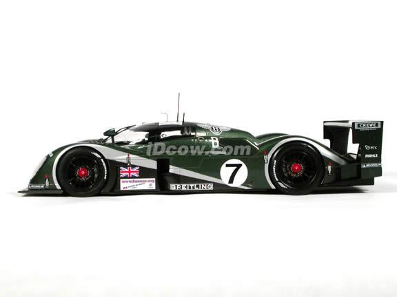 2003 Bentley Speed 8 diecast model car 1:18 scale #7 Le Mans Winner by AUTOart