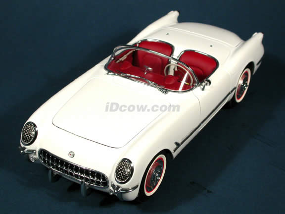 1953 Chevrolet Corvette diecast model car 1:18 scale die cast by AUTOart - Polo White