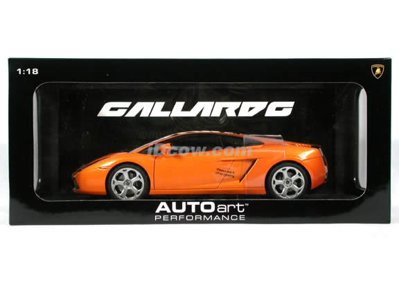 2004 Lamborghini Gallardo diecast model car 1:18 scale die cast by AUTOart - Orange