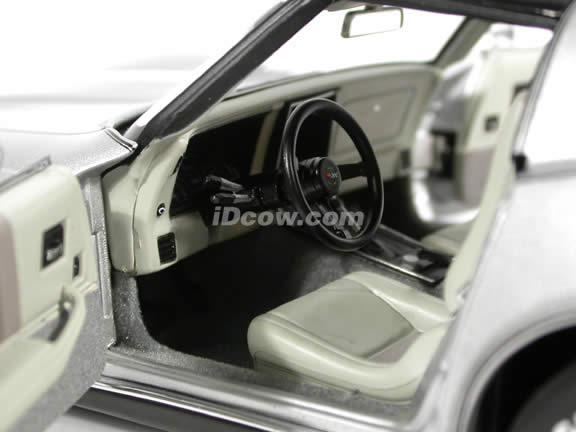 1982 Chevy Corvette diecast model car 1:18 scale die cast by AUTOart - Silver