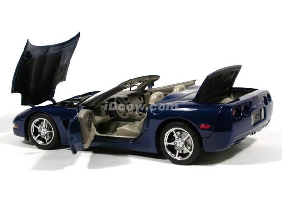 2004 Chevrolet Corvette Convertible diecast model car Commemorative Edition 1:18 scale die cast by AUTOart - Metallic Blue