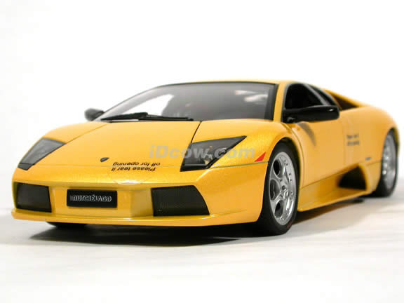 2002 Lamborghini Murcielago diecast model car 1:18 scale die cast by AUTOart - Yellow