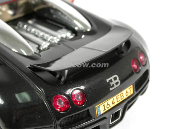 2004 Bugatti Veyron EB 16.4 diecast model car 1:18 scale die cast by AUTOart - Black Red Limited Edition