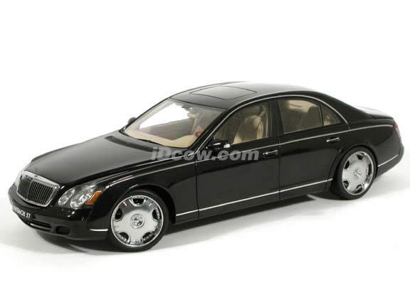 2004 Maybach 57 diecast model car 1:18 scale with 22