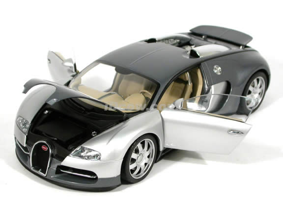 2004 Bugatti Veyron diecast model car 1:18 scale EB 16.4 by AUTOart - Silver Grey Limited Edition