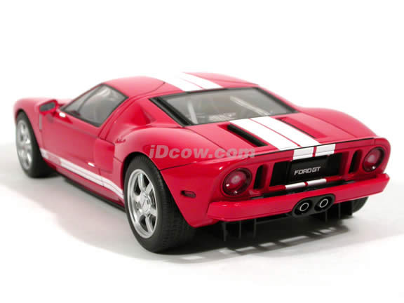 2005 Ford GT diecast model car 1:18 scale die cast by AUTOart - Red