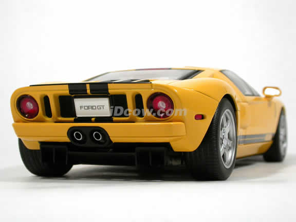 2005 Ford GT diecast model car 1:18 scale die cast by AUTOart - Yellow
