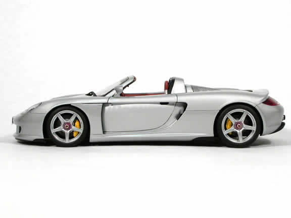 2005 Porsche Carrera GT diecast model car 1:18 scale die cast by AUTOart - Silver
