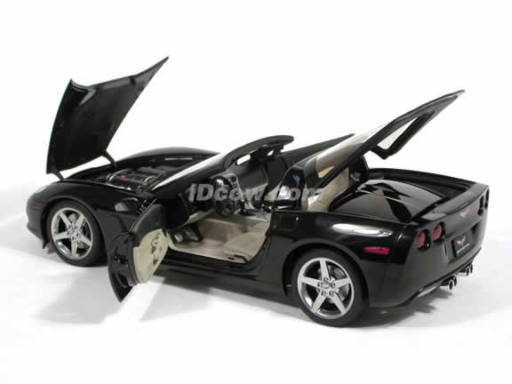 2005 Chevrolet Corvette diecast model car 1:18 scale C6 by AUTOart - Black 71227