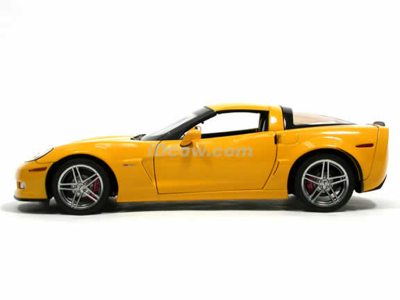 2005 Chevrolet Corvette Z06 diecast model car 1:18 scale die cast by AUTOart - Limited Edition Yellow 71232