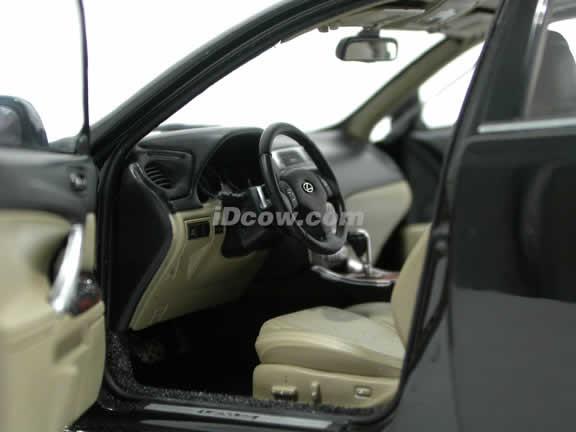 2006 Lexus IS 350 diecast model car 1:18 scale die cast by AUTOart - Black 78812