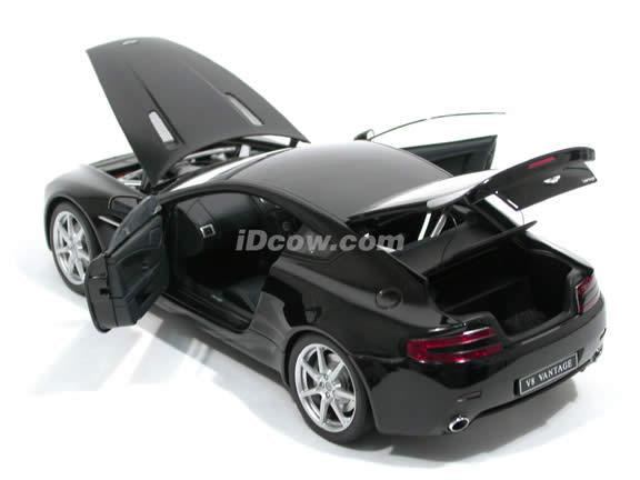 2005 Aston Martin Vantage diecast model car 1:18 scale die cast by AUTOart - Black 70202