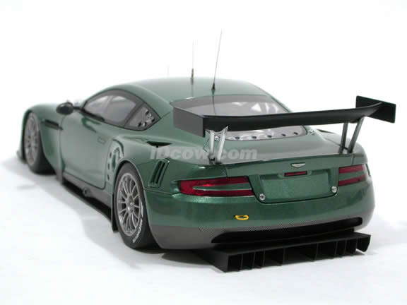 2005 Aston Martin DBR9 diecast model car 1:18 scale die cast by AUTOart - Green 80503