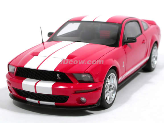 2005 Shelby GT500 diecast model car 1:18 scale die cast by AUTOart - Red 73053