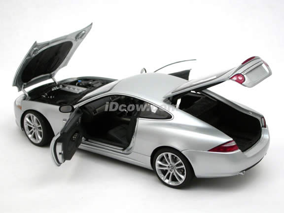 2006 Jaguar XK diecast model car 1:18 scale die cast by AUTOart - Silver 73631