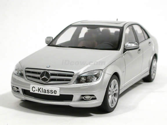 2008 Mercedes Benz C-Class diecast model car 1:18 scale by AUTOart - Silver 76263