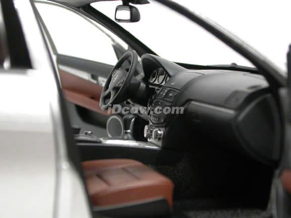 2008 Mercedes Benz C-Class diecast model car 1:18 scale by AUTOart - Silver 76263