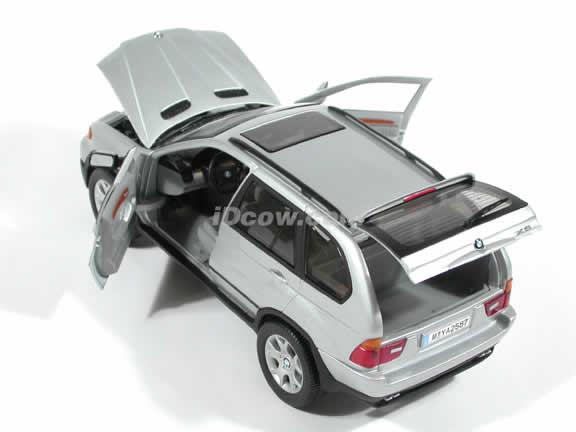 BMW X5 4.4i diecast model car 1:18 die cast by Anson - Silver