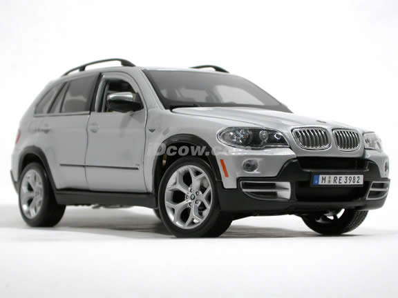 2007 BMW X5 diecast model car 1:19 scale 4.8i by Bburago - Silver 110209