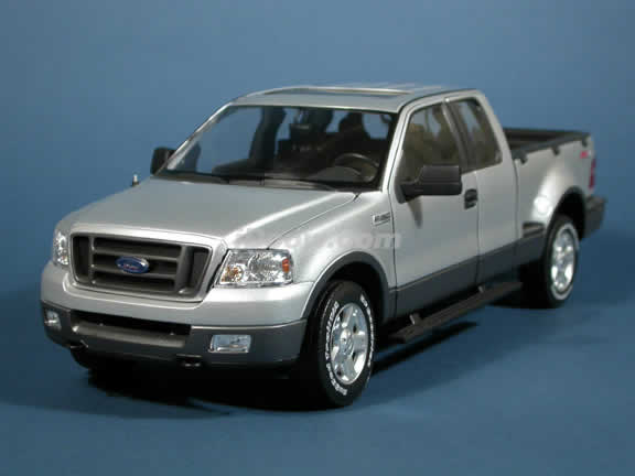 2004 Ford F-150 FX4 Pick Up Truck model diecast truck 1:18 die cast by Beanstalk Group - Silver