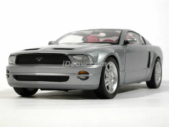 2005 Ford Mustang GT Concept diecast model car 1:18 die cast by Beanstalk Group - Silver