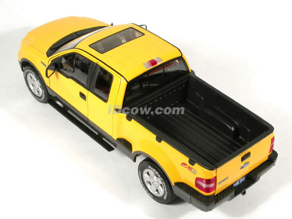 2004 Ford F-150 FX4 Pick Up Truck model diecast truck 1:18 die cast by Beanstalk Group - Yellow