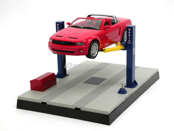 2 Post Service Lift for 1:24 scale diecast model cars - Battery Powered