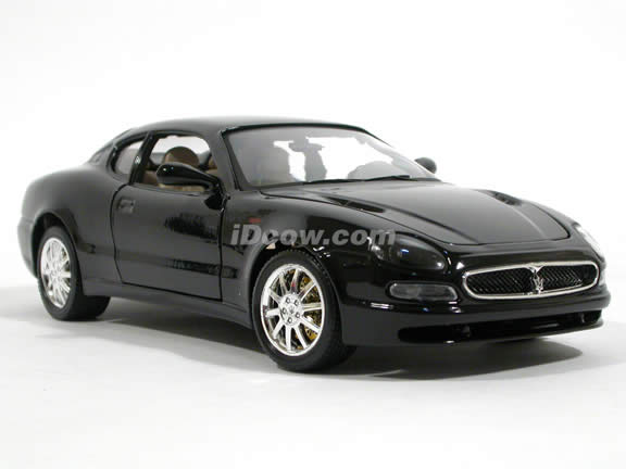2002 Maserati 3200GT diecast model car 1:18 scale die cast by Bburago - Black Coupe
