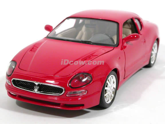 2002 Maserati 3200GT diecast model car 1:18 scale die cast by Bburago - Red Coupe