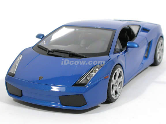 2007 Lamborghini Gallardo diecast model car 1:18 scale die cast by Bburago - Blue 1812015