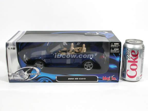 2007 BMW M6 diecast model car 1:18 scale cabrio by Maisto - Blue Cabrio