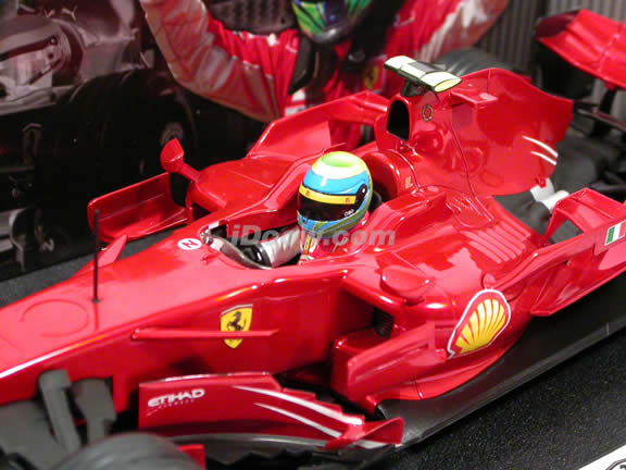 2008 Ferrari Formula One F1 diecast model race car 1:18 scale #2 Felipe Massa by Hot Wheels - M0549