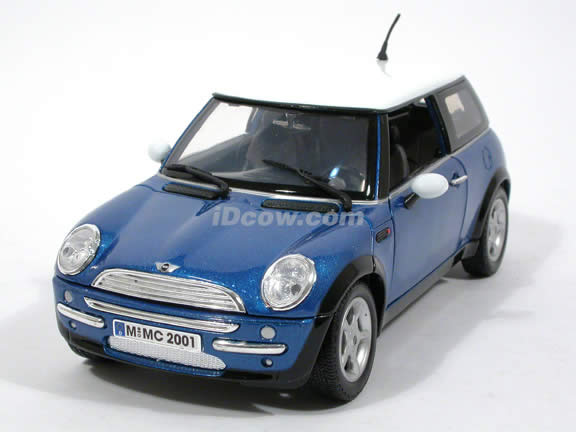 2006 Mini Cooper diecast model car 1:18 scale die cast by Motor Max - Blue 73114