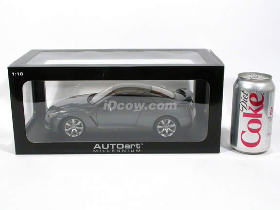 2009 Nissan GT-R diecast model car 1:18 scale die cast by AUTOart - Dark Grey 77388