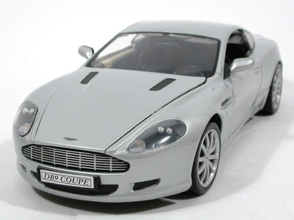 2004 Aston Martin DB9 Diecast Model Car 1:18 Scale Die Cast From Motor Max    Silver 73174