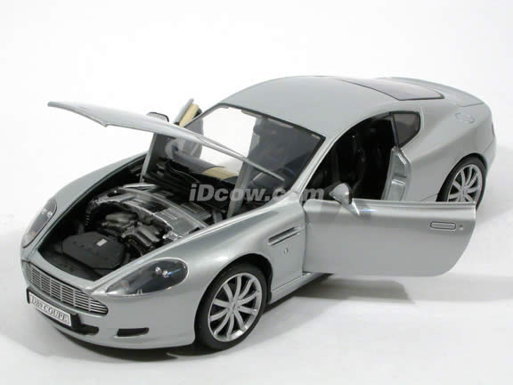 2004 Aston Martin DB9 diecast model car 1:18 scale die cast from Motor Max - Silver 73174