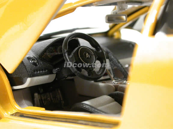 2002 Lamborghini Murcielago diecast model car 1:18 scale die cast by Bburago - Yellow 1812022