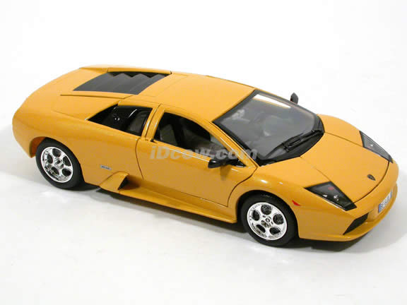 2002 Lamborghini Murcielago diecast model car 1:18 scale die cast by Bburago - Yellow 1812022