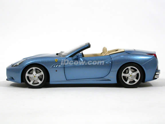 2009 Ferrari California diecast model car 1:18 die cast by Hot Wheels Elite - Blue Elite N2043