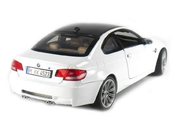 2009 BMW M3 diecast model car 1:18 die cast by Motor Max - White 73182