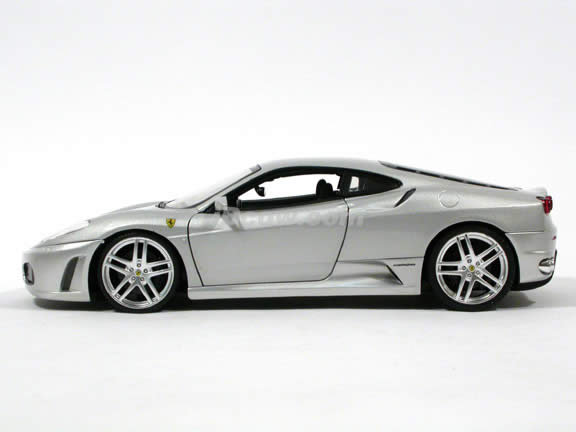 2006 Ferrari F430 diecast model car 1:18 scale diecast by Hot Wheels - Silver