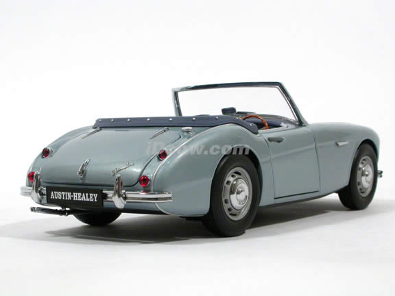 1957 Austin Healey 100-6 diecast model car 1:18 scale diecast by Kyosho - Ice Blue