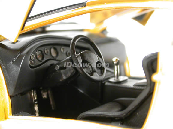 2000 Lamborghini Diablo GT diecast model car 1:18 scale die cast by Motor Max - Yellow