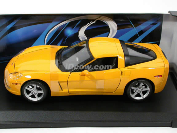 2005 Chevrolet Corvette diecast model car 1:18 scale die cast by Maisto - Yellow
