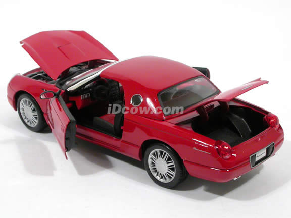 2002 Ford Thunderbird diecast model car 1:18 scale die cast by Maisto - Red